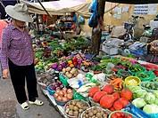 Viernam. Hanoi, street market.