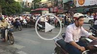 Traffic in Phuóng Cúa Nam district. Hanoi, Vietnam