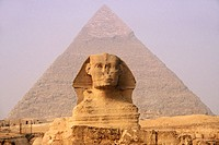 Sphinx and Chephren Pyramid in background, Gizeh. Egypt