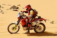 Rally des Pharaones 2003. Peter Raes (Honda) on special stage 3 Mut-el Owanait. Sahara. Western Desert. Egypt.