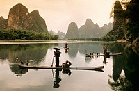 Fisher scenario. Xingping Li river. China.
