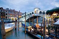 Canal Grande. The Ponte (bridge) di Rialto. Venice. Italy