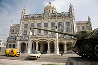 Museum of the Revolution, former Presidential Palace. Tank SAU-100, used by Fidel Castro in Bay of Pigs Invasion in 1961. Havana. Cuba