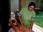 Sri Lanka, Ayurveda, employees, woman, legs, massages, detail, people, men, tourist, women-legs, oil, aroma-oil, massages in, nature healing, medicine...