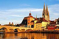 Steinerne bridge and cathedral. Ratisbone. Bavaria. Germany