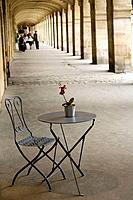 Paris. France. Place des Vosges. Surrounded by shady arcades that shelter beautiful boutiques, this square, situated in the heart of the Marais, is on...