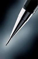 Propelling pencil