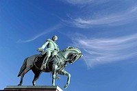 equestrian monument, slottet, royal palace, oslo, norway