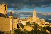 Alcazar fortress and Cathedral at dusk, Segovia. Castilla-Leon, Spain
