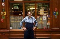 Ives Rivoiron en su restaurante Bouchon, Cafe des Federations. Lyon. Rhone Alpes, Francia.