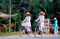 Cyclists, Vietnam
