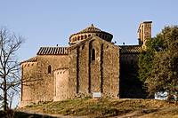 Iglesia románica de Sant Cugat del Racó  De planta de cruz griega y coronada por un cimborio circular la hacen única en Catalunya  Siglo XI  España, C...