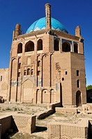 historic Mausoleum of Oljaytu, Soltaniyeh, UNESCO World Heritage Site, Persia, Iran, Asia
