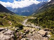 Valle glaciar colgado de los Llanos de la Larri, en el Valle de Pineta - Bielsa - Sobrarbe - Huesca - Aragón - Pirineo Aragonés