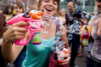 Participants in a ´Bubble Battle,´ whereby strangers gather at a particular place and time, and make bubbles in any way possible