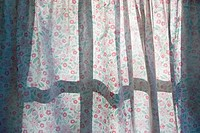 Curtain with flower pattern