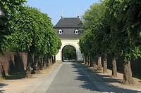 Germany, Dormagen, North Rhine-Westphalia, Dormagen-Delhoven, monastery Knechtsteden, premonstratensian abbey, Spiritans Order, convent wall, archway,...