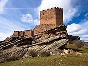 Castillo de Zafra, fortaleza medieval construida entre los siglos X y XI - Hombrados - Campillo de Dueñas - Sierra de Caldereros - Guadalajara - Casti...