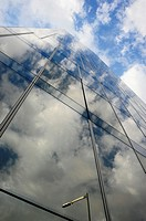 Fachada acristalada del Edificio de Gas Natural, Enric Miralles & Benedetta Tagliabue, Barcelona, Catalunya, España