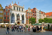 Tourists and Locals shopping and sightseeing in the historical old town at the port city of Danzig in Poland