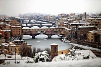 Italy, Tuscany, Florence, Ponte Vecchio, snow