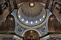 Ceiling detail with large oval dome inside St  Peter´s Basilica in the Vatican, Rome, Italy