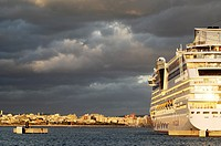 Cruise ship in the port of Palma de Mallorca, Majorca, Balearic Islands, Spain