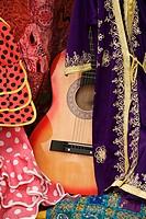 Between Moorish flamenco guitar and flamenco dresses  Córdoba´s shop
