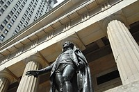 Statue of George Washington in front of the Federal Hall National Memorial. Wall Street. Financial District. Downtown Manhattan. New York, New York. U...