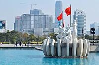 Dongguan (China): fountain and artificial lake in the Nancheng District