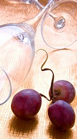 Red grapes and glasses