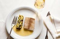 Pike with white butter and potato & spinach soufflé, restaurant Les Tonnelles by chef Gérard Bossé, Béhuard, Marne-et-Loire, Pays de la Loyre, France