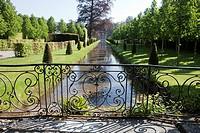 Les Jardins d´Annevoie, and water gardens of Annevoie, Annevoi-Rouillon, Namur province, Wallonia or Walloon Region, Belgium, EuropeJardins d´Annevoie...