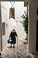 Narrow whitwashed allyway in the Old town of Naxos, Naxos island, Cyclades, Greece