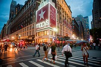 The flagship Herald Square Macy´s Department Store in New York Macy´s Inc announced an increase in profits with a reported $147 million compared with ...