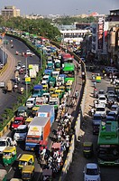 Heavy traffic in New Delhi