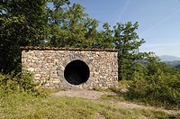 Andy Goldsworthy Land Art Stone Hut or Refuge d´Art near Digne Alpes-de-Haute-Provence Provence France