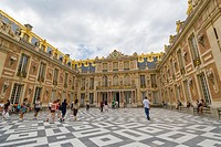 Inner court of Chateau de Versailles, The Palace of Versailles, Versailles, Yvelines, Ile de France, France.