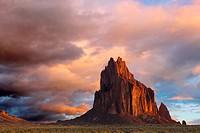 Navajo sacred site Tse Bi Dahi, Shiprock, New Mexico in dawn light, Shiprock, New Mexico, USA
