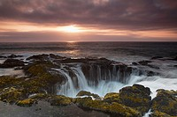 Thor´s Well at Sunset, Cooks Chasm, Cape Perpetua, Oregon, USA
