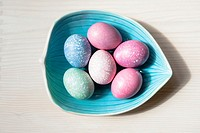Marbeled Easter eggs, easter eggs with marble pattern.