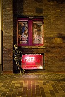 John Lennon Sculpture next to the cavern pub, Mathew stree, Liverpool, UK