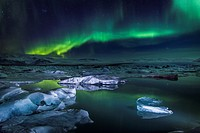 Aurora Borealis or Northern lights at the Jokulsarlon, Breidamerkurjokull, Vatnajokull Ice Cap, Iceland.