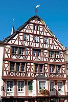 Germany, Rhineland-Palatinate, Mosel valley, Bernkastel-Kues Marktplatz.