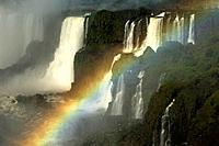 BRAZIL, IGUASSU NATIONAL PARK, IGUASSU FALLS, VIEW OF ARGENTINEAN SIDE, RAINBOW.1015