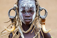 Mursi people, Omo valley, Naciones, Ethiopia, Africa.