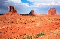 East mitten and west mitten buttes, Monument valley, Utah, USA.
