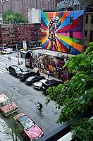 Alfred Eisenstaedt iconic VJ Day in Times Square kiss graffiti by artist Eduardo Kobra, Chelsea near The High Line, New York, USA