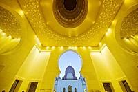 Architectural work of art, Sheik Zayed Grand Mosque, Abu Dhabi, UAE.
