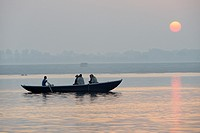 India, Uttar Pradesh, Varanasi, Boatride at sunrise.